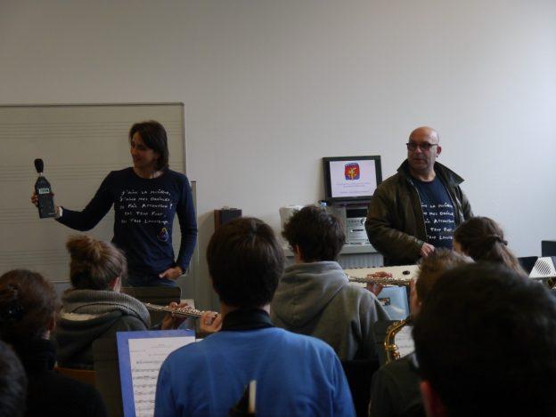 Action de prévention auditive dans la salle de répétition d'orchestre de Vincent Caup©AuditionSolidarité