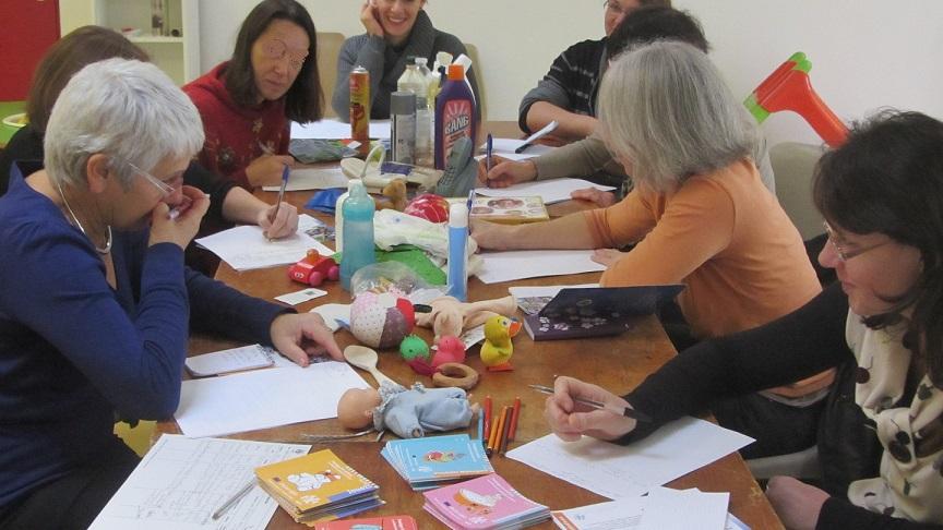 Atelier Nesting pour sensibiliser les relais d'assistantes maternelles de Frangy en Haute Savoie©WECF