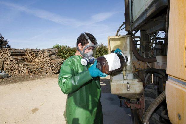 Phyt'Attitude réseau de toxicovigilance pour les professionnels agricoles©J-M. Nossant-CCMSA images