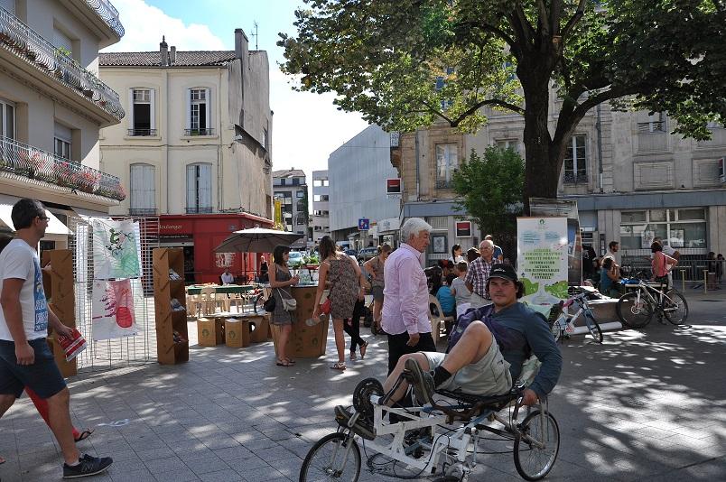 En 2014, la 6ème édition de la journée Tous écomobiles, sur 4 places du centre-ville d'Agen©Au fil des Séounes