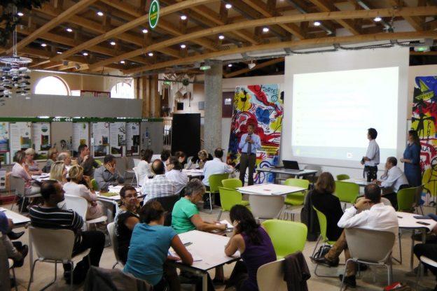 3AR accompagne les acheteurs publics à intégrer les enjeux environnementaux, sociaux, sanitaires et qualitatifs dans leur procédure d'achat©APESA