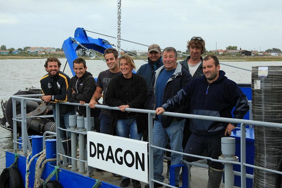Sabine Jeandenand, directrice du SIBA, entourée de son équipe de marins ©SIBA
