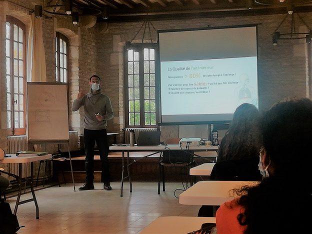 Maxime Bonamie avec les élèves de Bac Pro © GRAINE NA