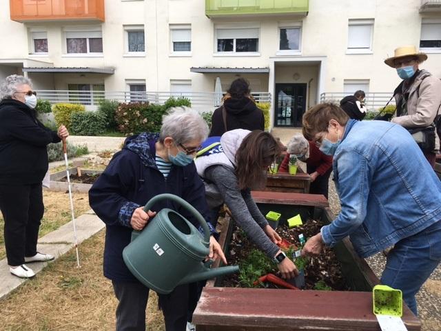 Le PAT propose la découverte des jardins partagés © Grand Poitiers